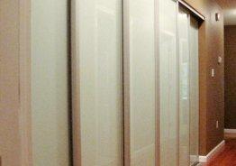Длинный шкаф купе в коридор