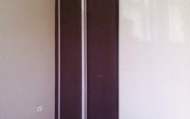 Узкие шкафы купе для одежды