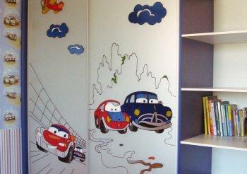 Шкаф купе для мальчика в детскую