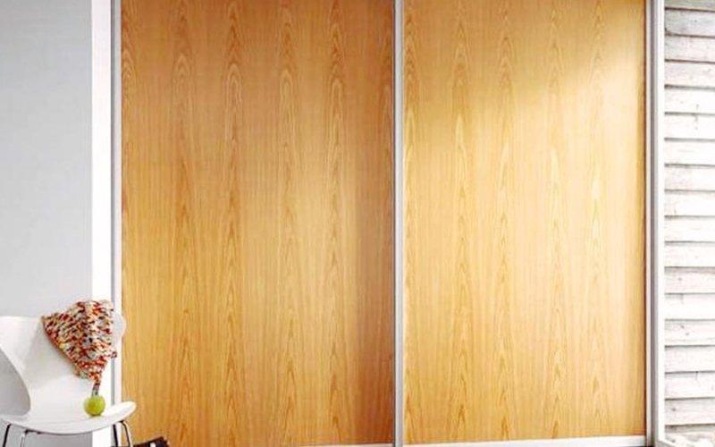 Шкафы купе из натурального дерева