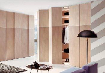 Встроенный деревянный шкаф купе