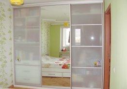 Шкаф купе корпусной или встроенный
