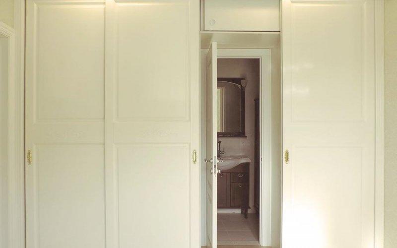 Шкаф купе вместо стены с дверью