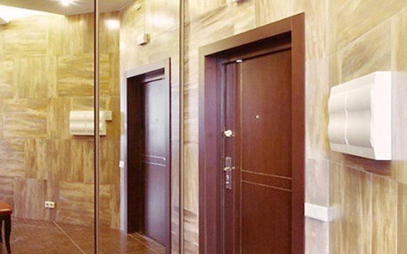 Зеркальные шкафы купе во всю стену