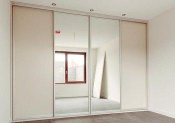 Шкафы купе 4 дверные с зеркалом