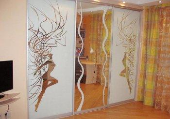 Шкаф купе 3 створчатый с зеркалом