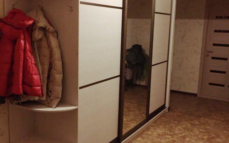 Шкаф купе трех секций