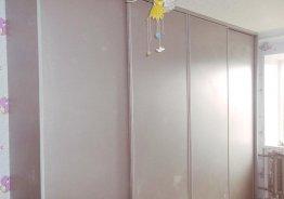 Шкафы купе светлые в спальню