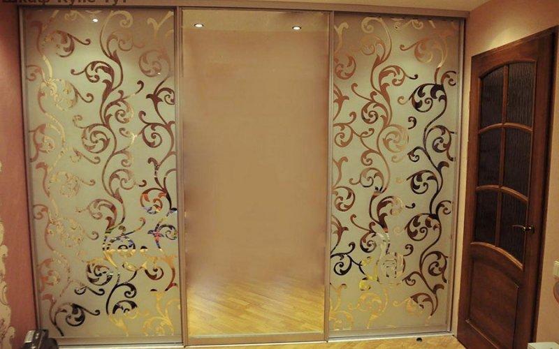Рисунки на шкафы купе пескоструй на зеркале