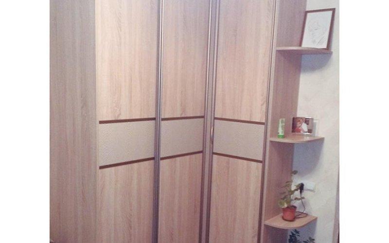 Угловые шкафы купе массив
