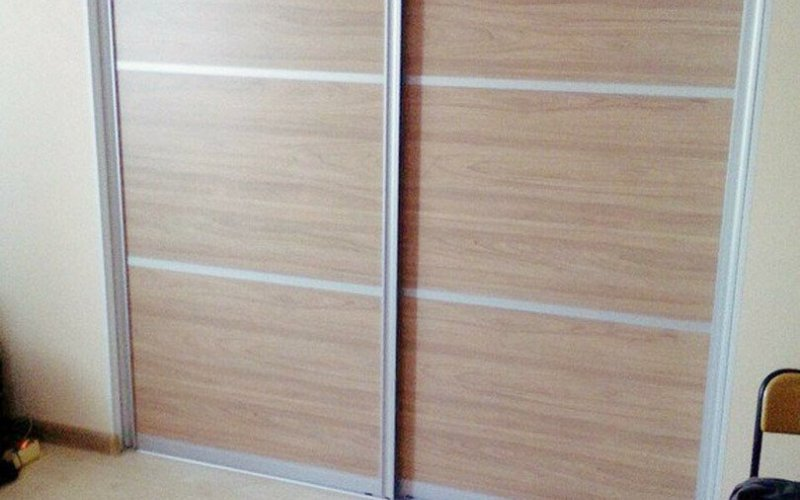 Двери шкафа купе из массива