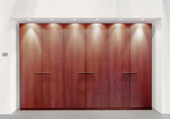 Двери для шкафа купе из массива дерева
