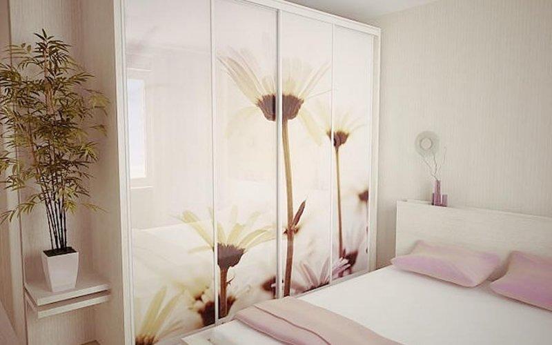 Шкаф купе в современном стиле в спальню