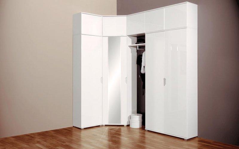 Угловой шкаф купе с зеркалом в комнату