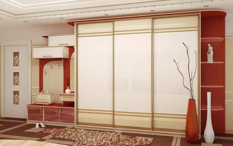 Шкафы купе со вставками из стекла