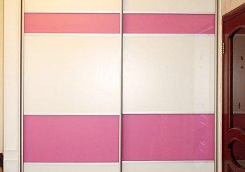 Шкафы купе со стеклянными дверцами