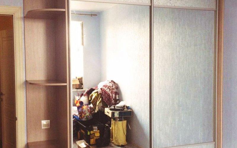 Шкаф купе зеркало со стеклом