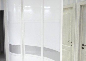 Шкаф купе белый со стеклом