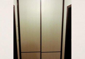 Шкаф купе в маленьком коридоре