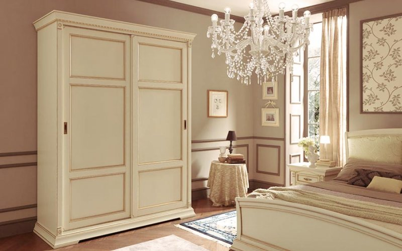 Шкафы купе классические фасады