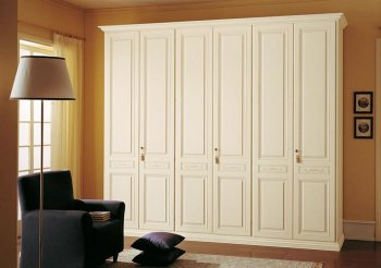 Классические шкафы купе в гостиную