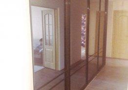 Шкаф купе с тонированными зеркалами