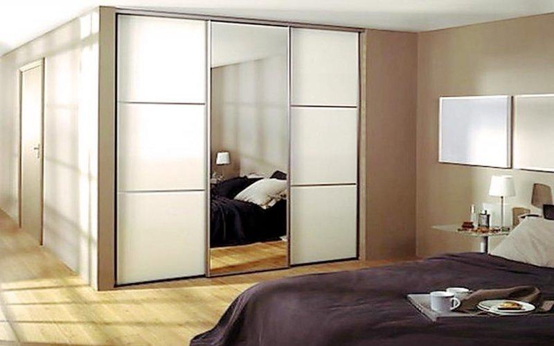 Стильные шкафы купе с зеркалом