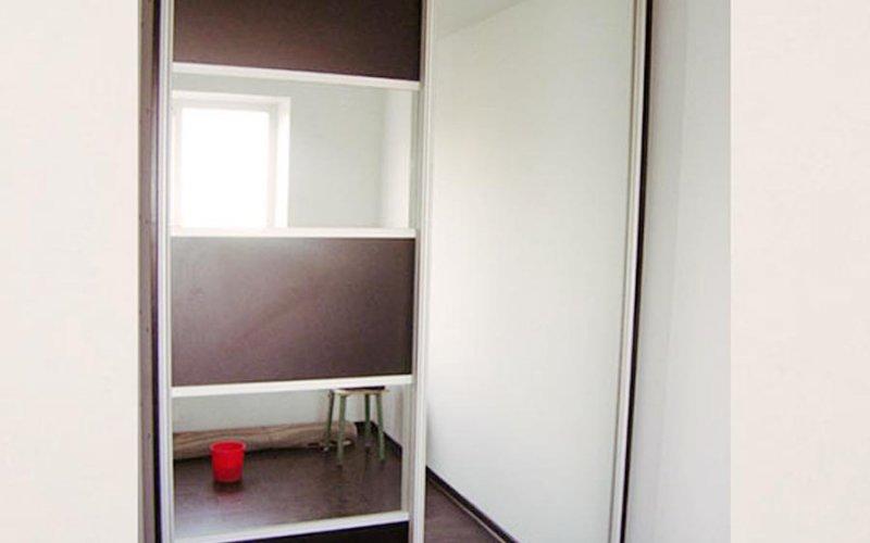 Шкаф купе 2 х створчатый с зеркалом