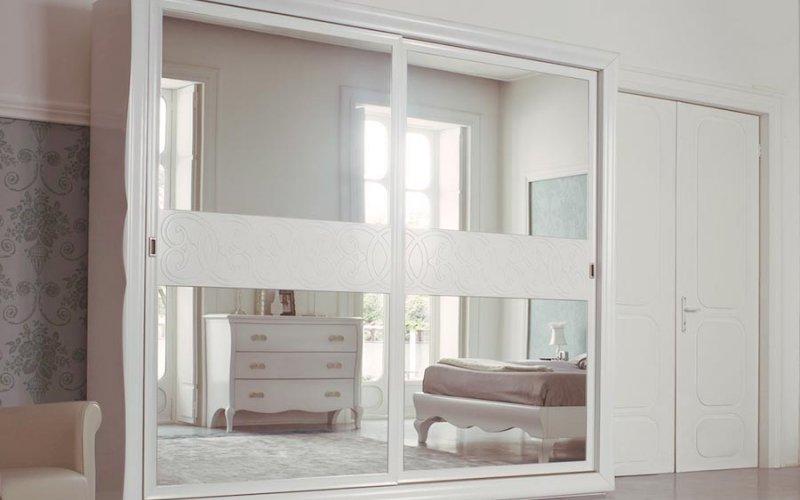 Шкафы купе 2 двери с зеркалом