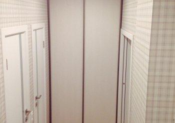 Встраиваемый шкаф купе в коридор