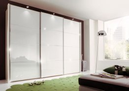 Белый глянцевый шкаф купе в спальню