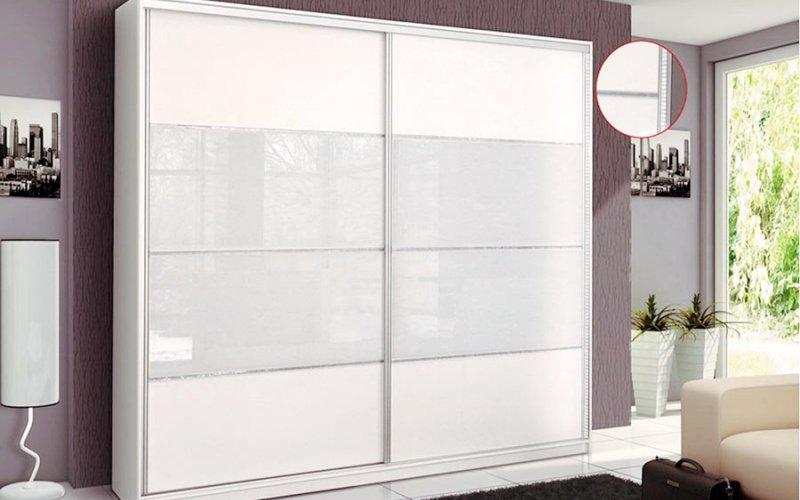 Красивые белые шкафы купе
