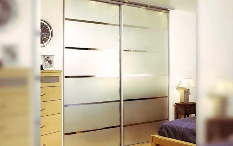Дешевые раздвижные двери для гардеробной