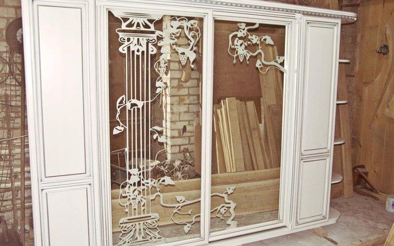 Фасадные двери для шкафов распашные