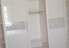 Двери из стекла для шкафа