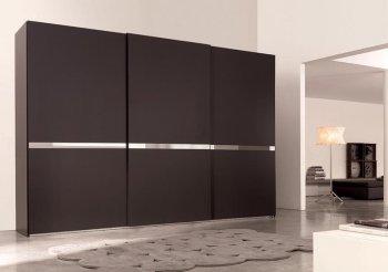 Черные навесные двери купе