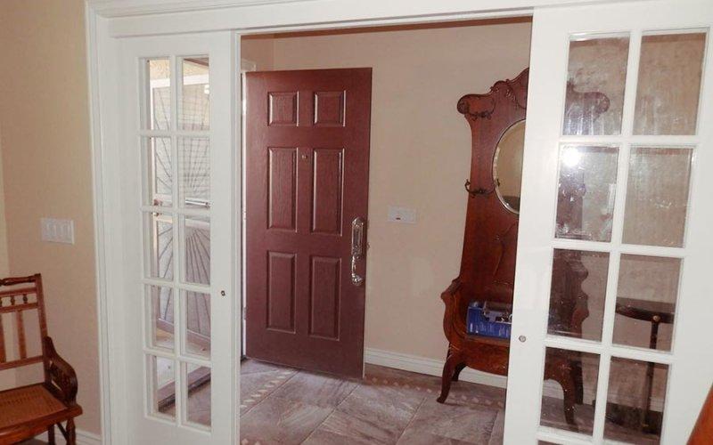 Перегородку 4-х дверная со стеклом из мдф