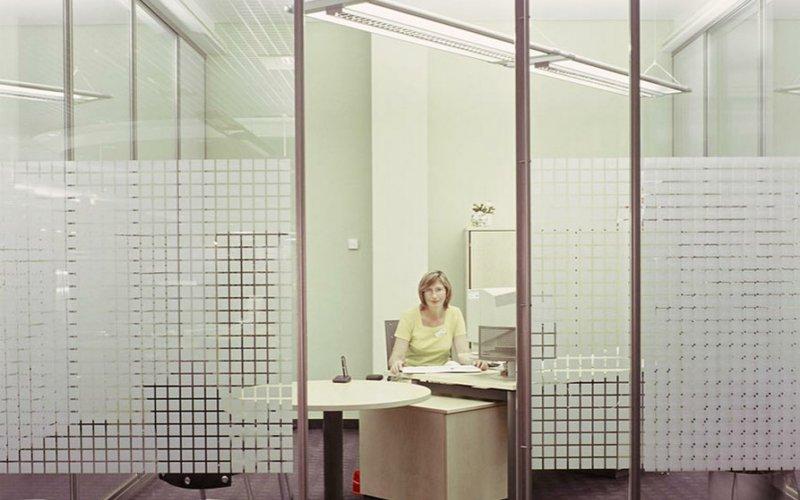 Межкомнатные перегородки в офис со стеклом