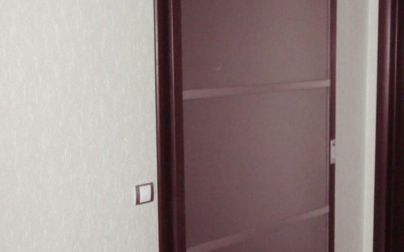 Стеклянную дверь межкомнатную раздвижную