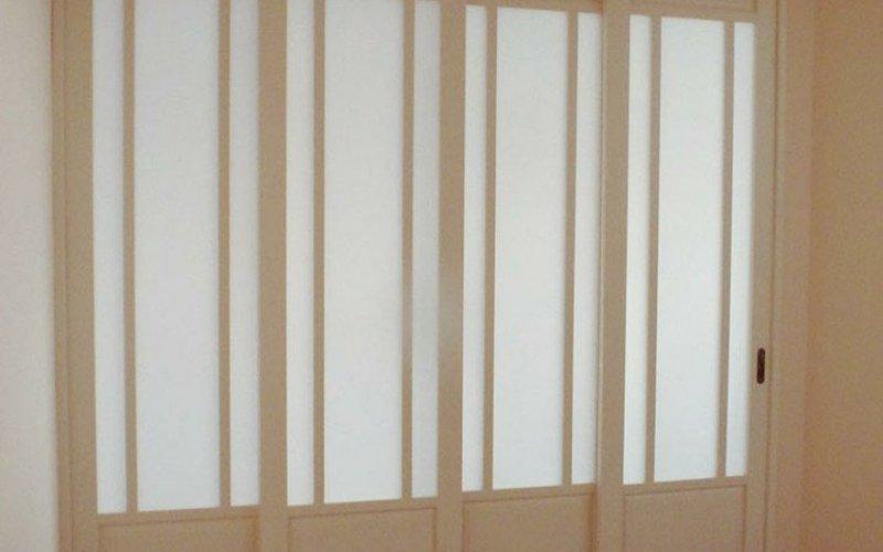 Раздвижные перегородки классика со стеклом
