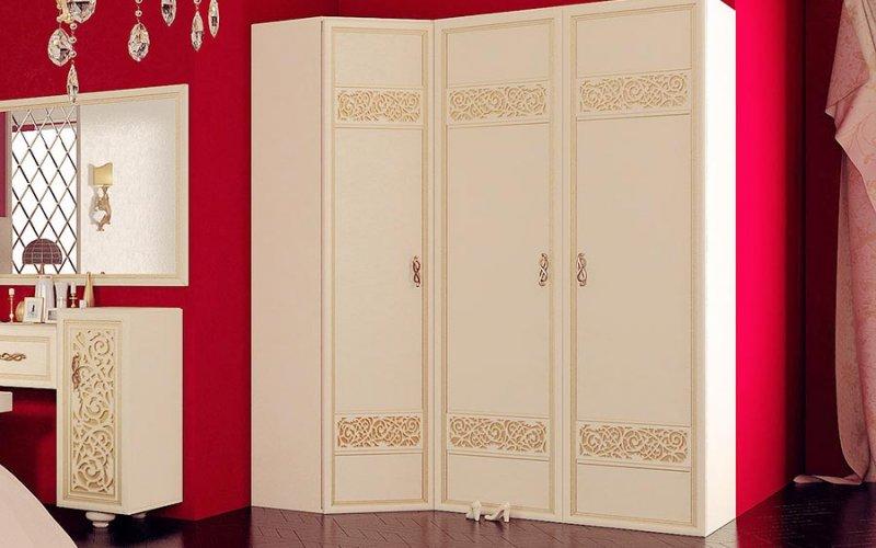 Шкафы распашные со стеклянными дверями