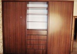 Деревянные двери для шкафа купе