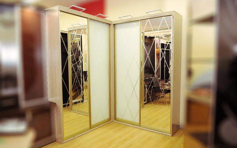 Угловые шкафы купе 2 двери