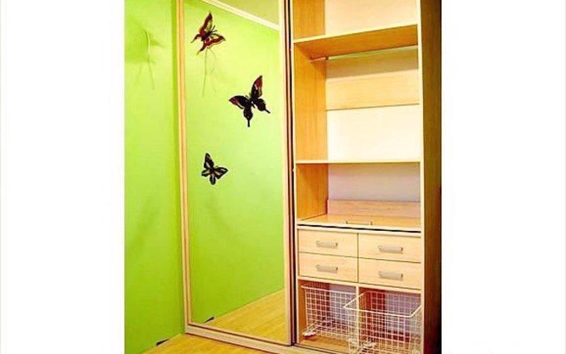 Шкаф двухстворчатые двери