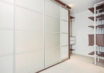 Шкаф купе белый 4 двери