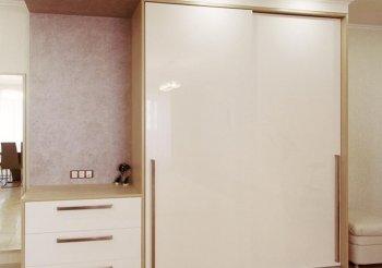 Безрамные двери для шкафов купе