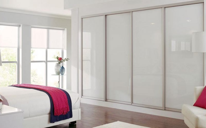 Белые двери для шкафа купе
