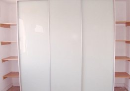 Двери шкафа купе лакобель белый