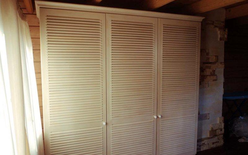 Жалюзийные двери для шкафа купе