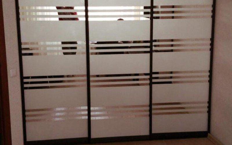 Двери для шкафа купе зеркало графит